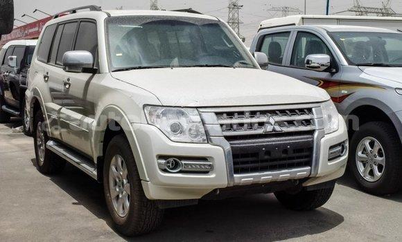 Buy Import Mitsubishi Pajero White Car in Import - Dubai in Barbados